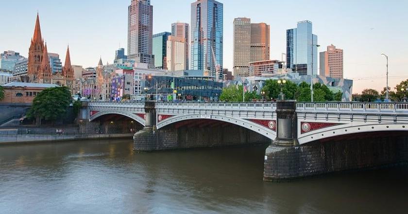 :Melbourne Skyline   © Tim Serong/WikiCommons
