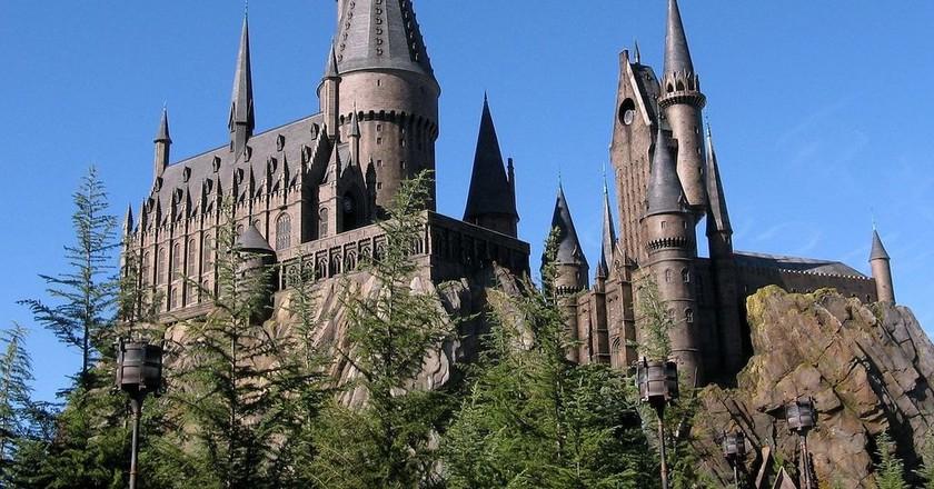 https://commons.wikimedia.org/wiki/File:Wizarding_World_of_Harry_Potter_Castle.jpg
