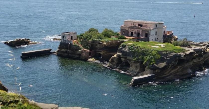 Visit Isola della Gaiola if you dare