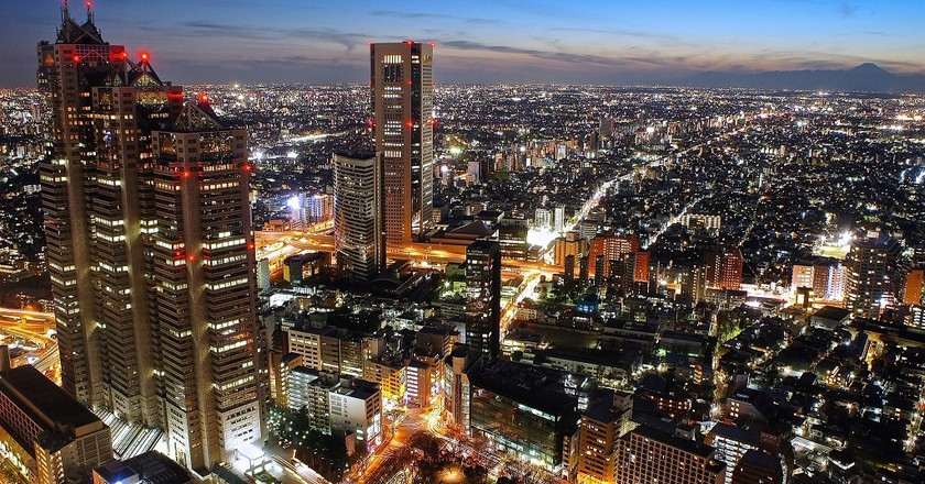 Nighttime view from the Tokyo Metropolitan Government Buildings   © Manish Prabhune / Flickr