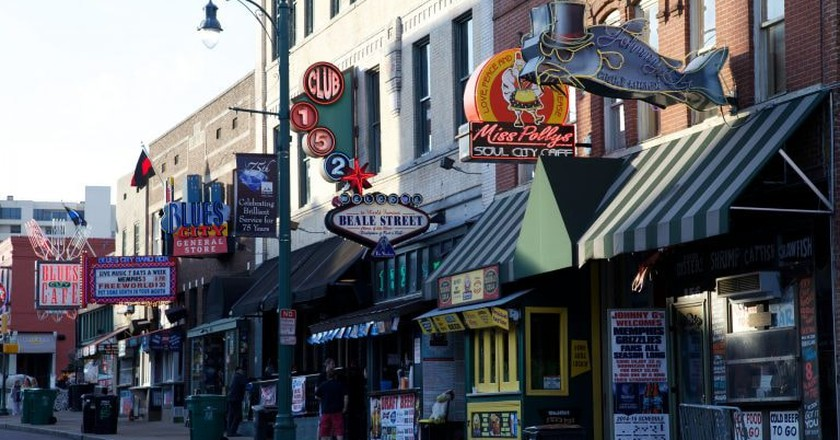 Beale Street, Memphis | ©David Brossard / Flickr