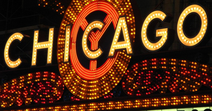 10 Tips to Escape the Tourist Crowds in Chicago