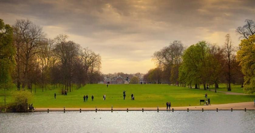 Kensington Palace   Ray in Manila/Flickr