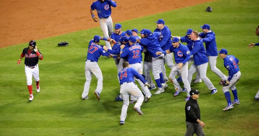 The Cubs celebrate after winning the 2016 World Series | © Arturo Pardavila III/Flickr