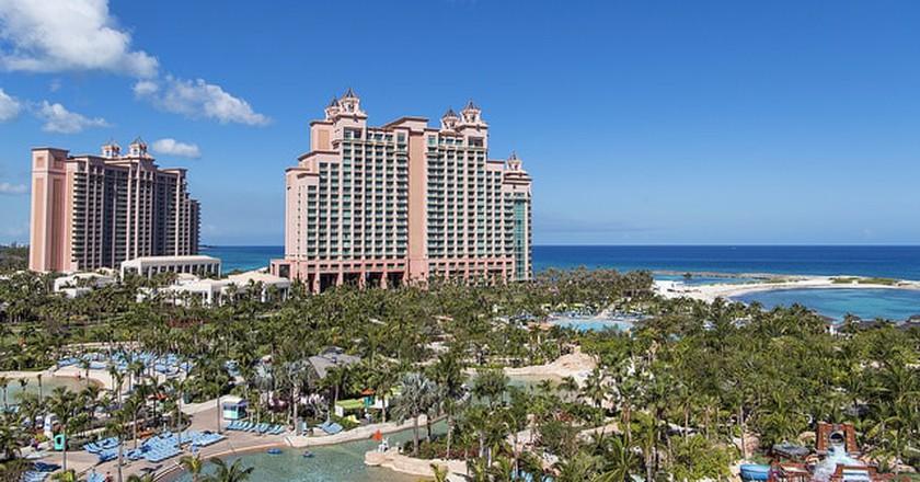 Atlantis Hotel  | © Tambako The Jaguar/Flickr