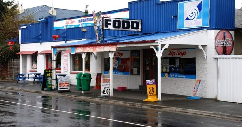 Waiau Dairy, Canterbury, New Zealand, 2007 | © Phillip Capper/Flickr