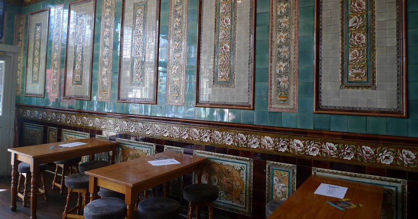Pub Interior   © Ewan Munro/Flickr