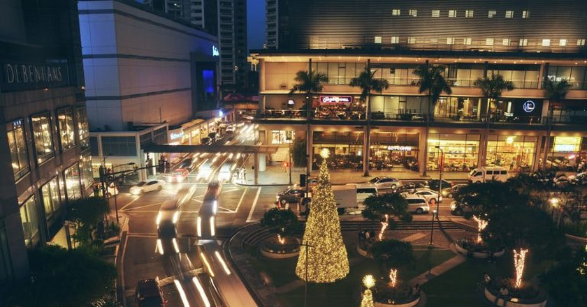 Makati City, Manila in December | © Andrew Subiela / Flickr
