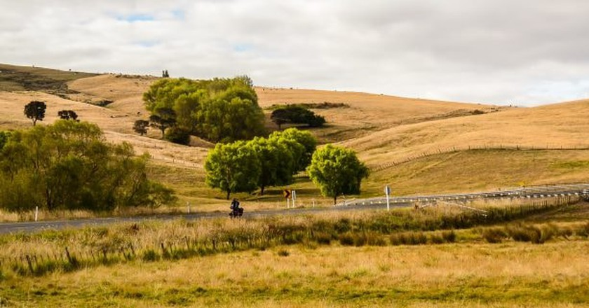 Cycling in New Zealand   © Amaya Williams + Eric Schambion/Flickr