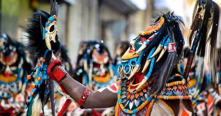 Participants dressed as Moorish soldiers | © Raul Soler / Flickr