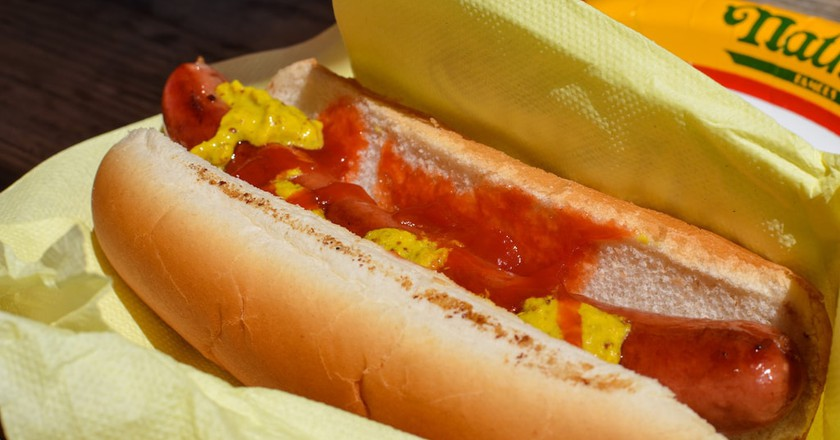 Nathan's hot dog   ©m01229 / Flickr