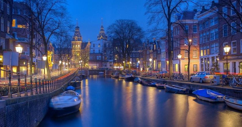 Amsterdam at night   © pixabay