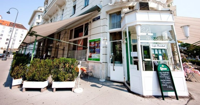 Outside the historic café | © AchimBieniek.com / Café Prückel