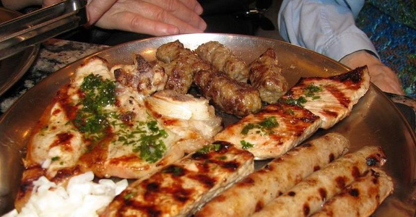 Bosnian meat platter   © BiHVolim