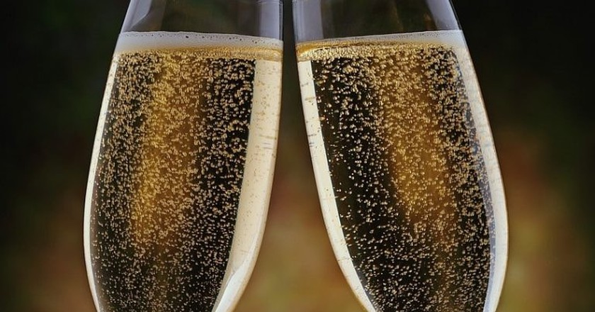A Champagne Cheers!   © Bill Masson/Flickr