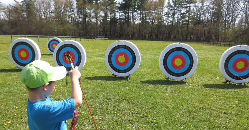 Archery for kids | © anjanettew / Flickr