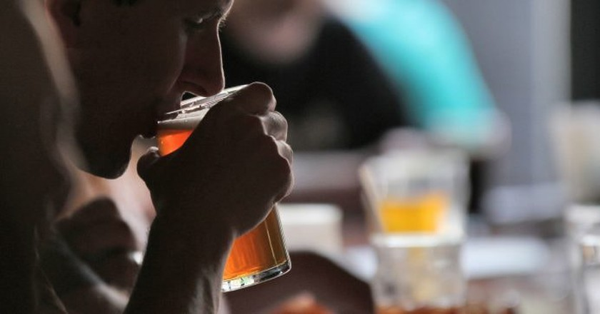 Sip on a cold one at one of Johannesburg's many craft breweries | © Robert Mathews/Unsplash