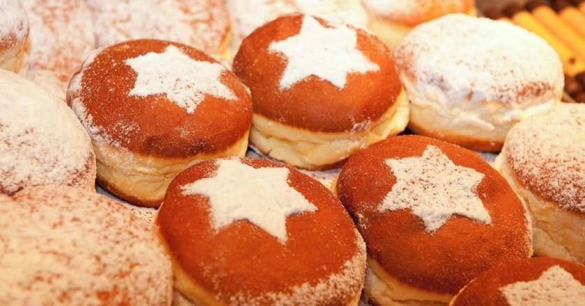Christmas market Krapfen | © Austrian Tourist Board