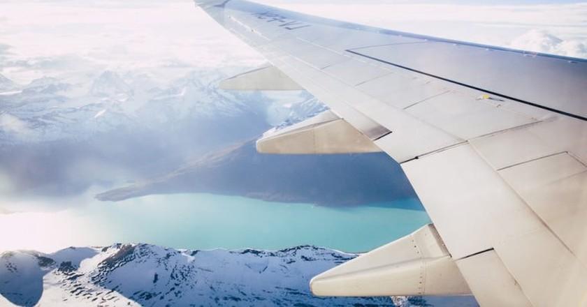 Plane flying over Patagonia  | © Margo Brodowicz/Unsplash