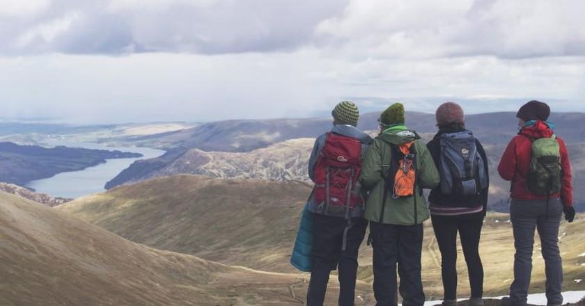 Walking in the Lake District   © Matt Heaton / Unsplash