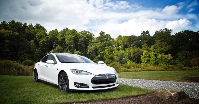 Tesla car | © Matt Henry / Unsplash
