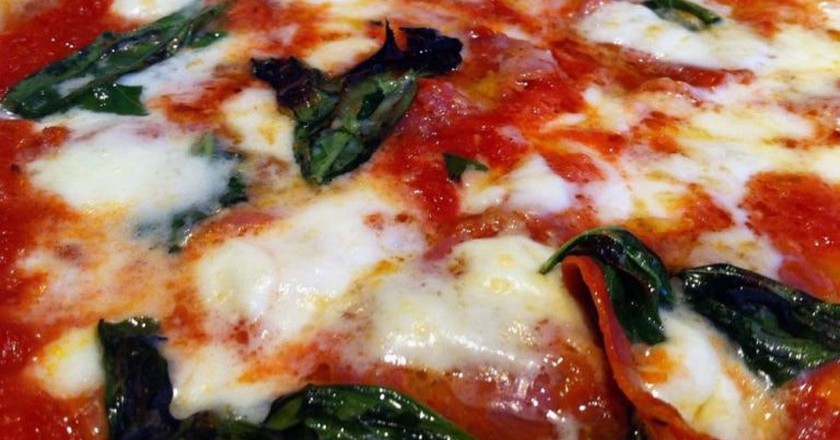 Get your face in a pizza | © Nacho/Flickr
