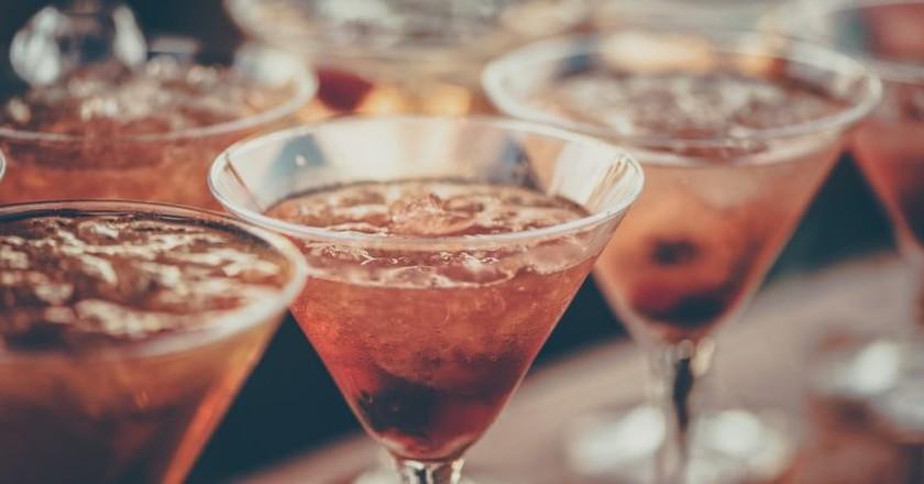 https://www.pexels.com/photo/alcoholic-beverages-bar-beverage-cocktail-613037/ cocktails! | © Alem Sanchez / Pexels