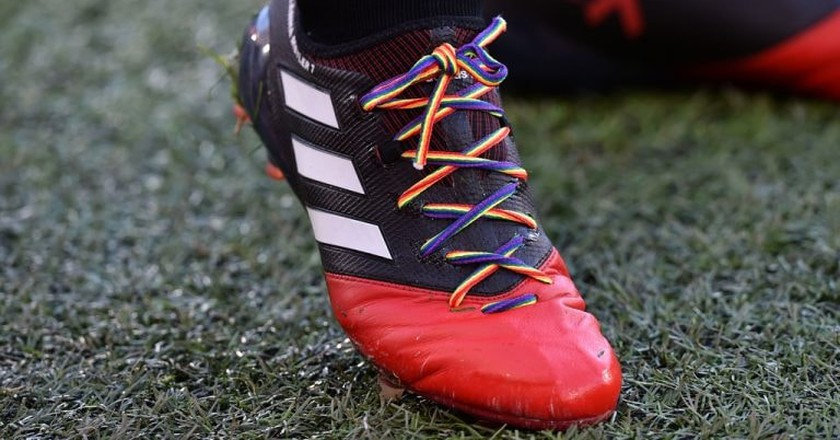 Rainbow laces in support of the LGBT community | © Greig Cowie/BPI/REX/Shutterstock
