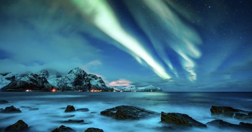 The Northern Lights of Lofoten, Norway | © Weston/Shutterstock