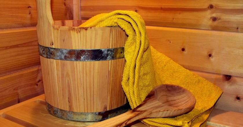 Sauna bucket and ladle    © ulleo/Pixabay