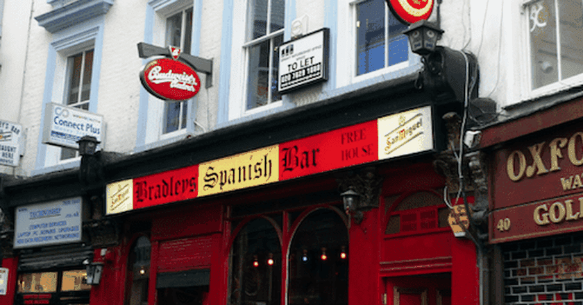 Bradley's Spanish Bar, Fitzrovia | © Ewan Munro/Flickr