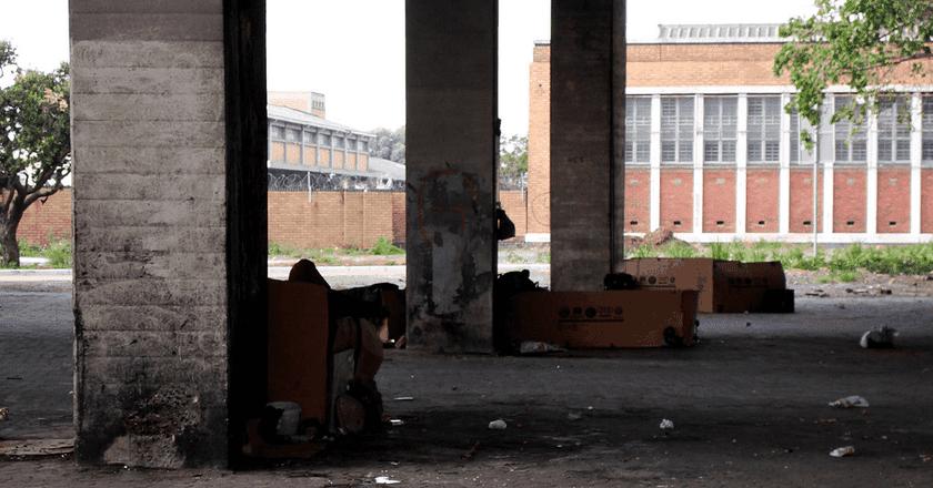 Homeless people seeking shelter beneath freeways | © Warrenski / Flickr.com