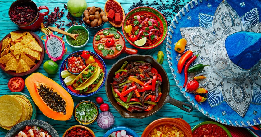 Mixture of Mexican cuisine | © holbox/Shutterstock