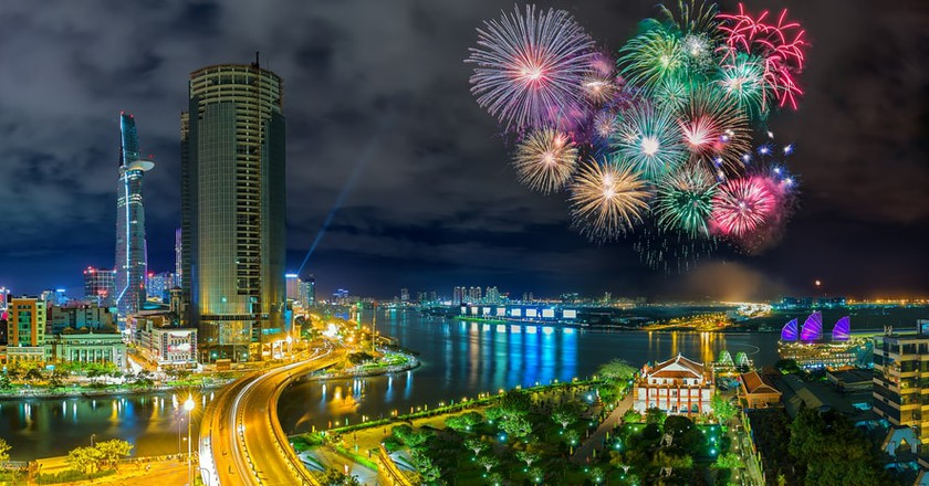 Fireworks over Ho Chi Minh City | © Thoai/Shutterstock