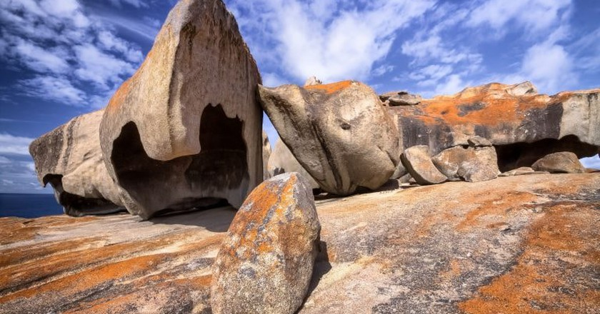 Remarkable rocks with blue and white sky, impressive landmark on Kangaroo Island, South Australia  | © Uwe Bergwitz/Shutterstock