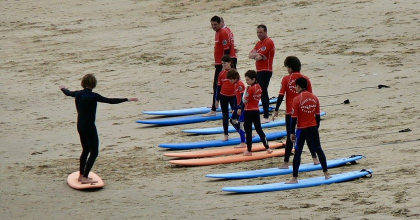 An Essential Etiquette Guide for Surfing in Biarritz