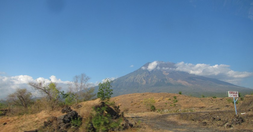 Mount Agung, Bali | © jeff~/Flickr