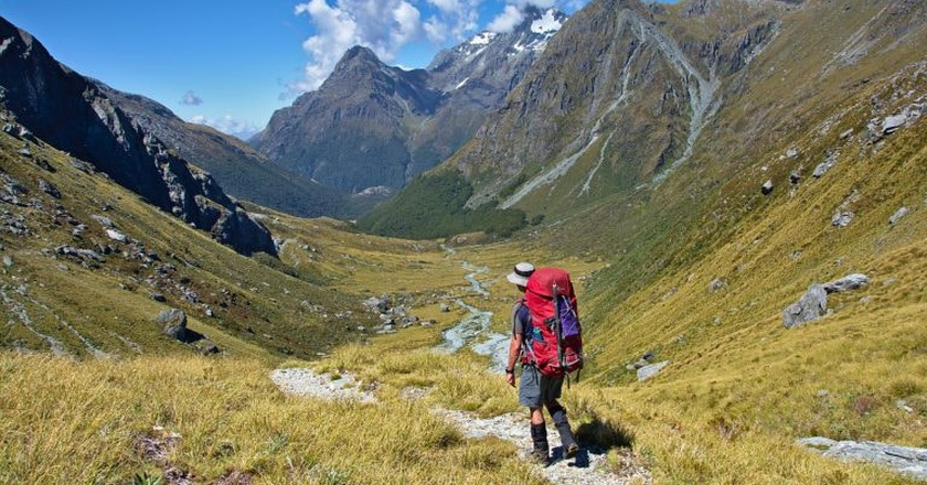 Walking down to Rock Burn Valley, Mount Aspiring National Park, New Zealand | © Thomas Sobek/Flickr