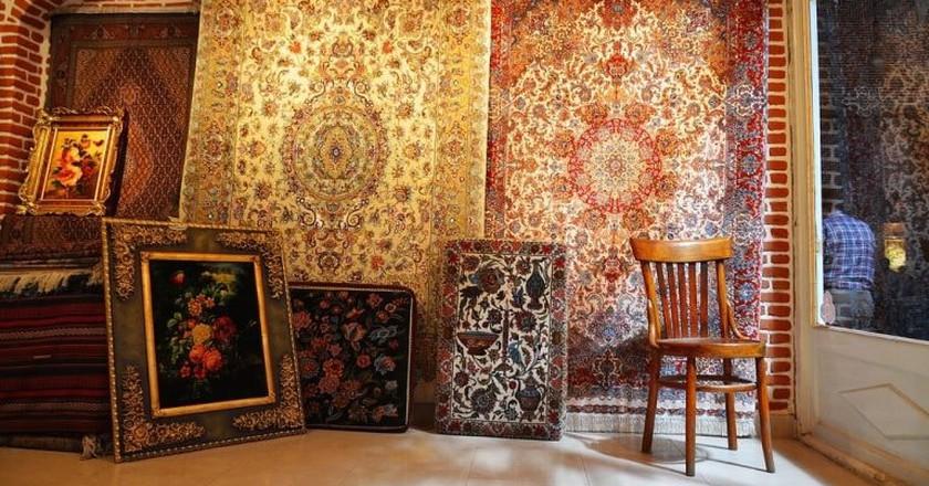 Carpet shop in the Grand Bazaar of Tabriz | ©Neeku / Flickr