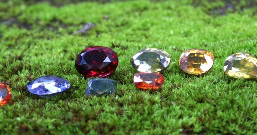 Variety of Sri Lankan gems | Courtesy of Tash Gems and Jewellery