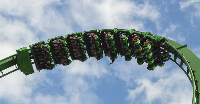 Hulk Roller Coaster | ©Aaron Hawkins / Flickr