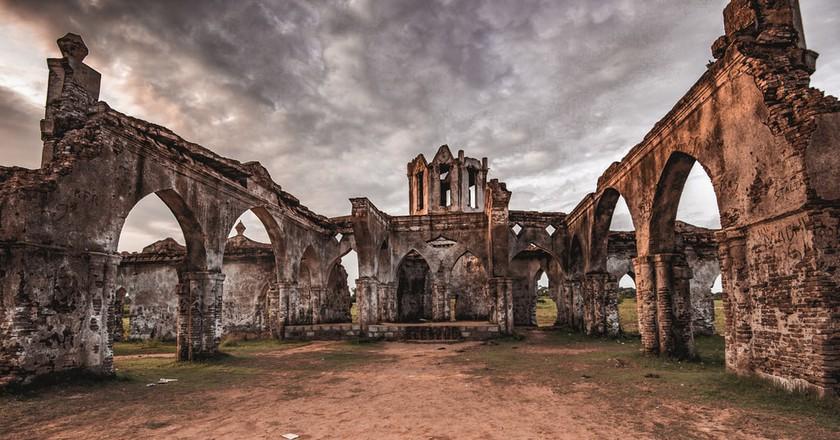 The ruins of Shettihalli Church in Karnataka, India | © Bikash Das / Flickr