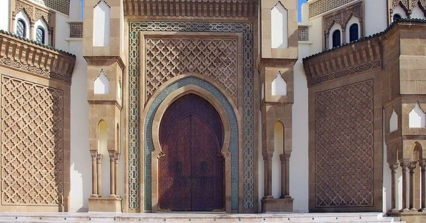Entrance to Mohammed V Mosque in Agadir | © Rudko / Wikimedia Commons