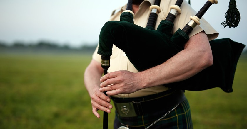 11 Reasons Why You Should Date a Scottish Person