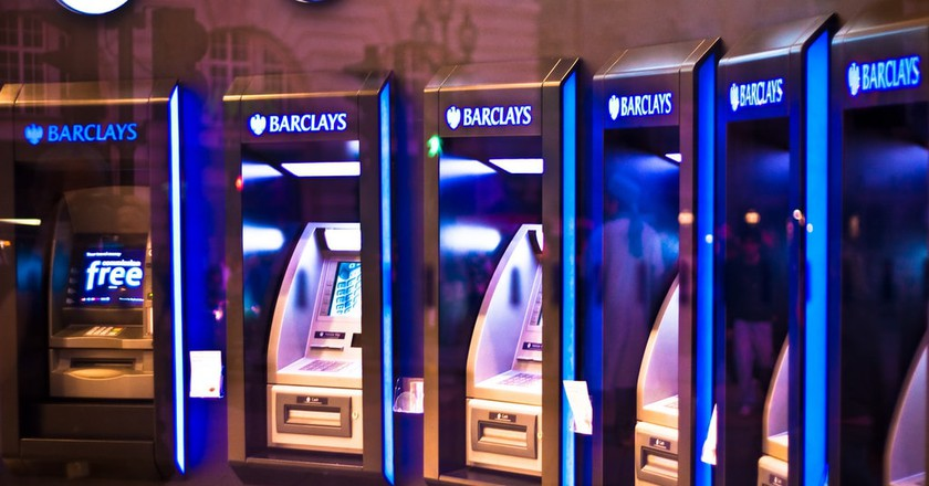 Cash Machines In London | © Garry Knight/Flickr
