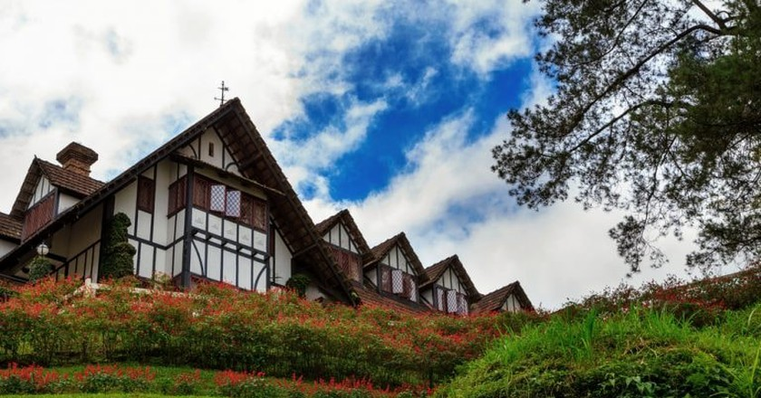 Beautiful hotel at Cameron Highlands © M S AlMuhammady/Shutterstock