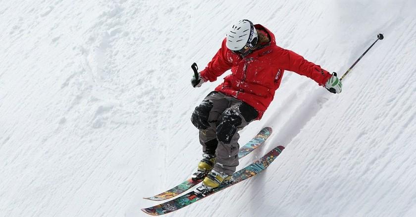 Skier   @Up-Free/Pixabay