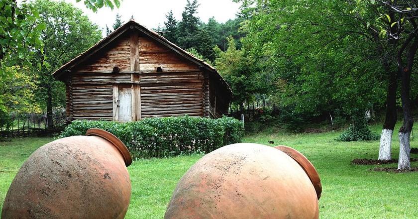 Kvevri - vessel for Georgian wine | © Levan Totosashvili / Flickr