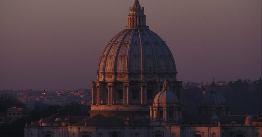 The dome of St. Peter's at dusk | © Matthew Kneale
