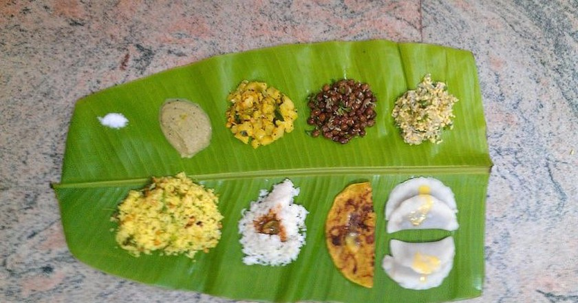 Karnataka meal served on banana leaf | © Lakshmi kanth raju / Wikimedia Commons